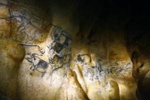 La-fresque-des-lions-de-la-Caverne-du-Pont-dArc-535x356