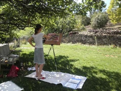 schilderen in de schaduw van een 100 jarige olijfboomm