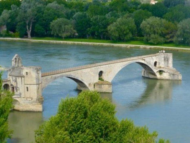 bridge-1005569_640