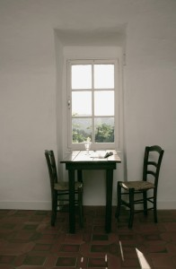 blauwe kamer eettafel
